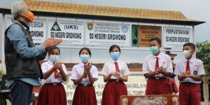 seragam sekolah indonesia putih merah